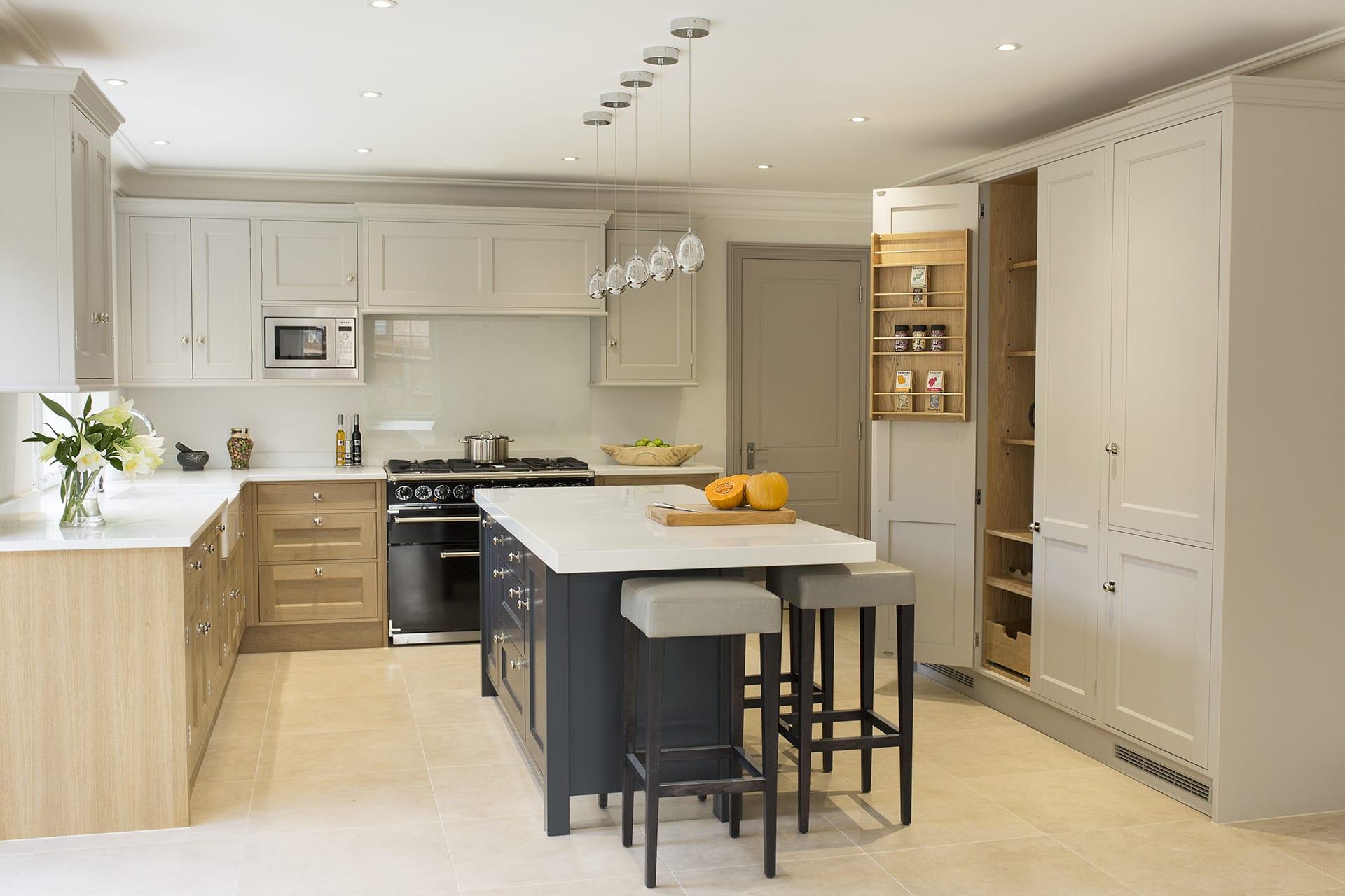 Modern Oak Rencraft